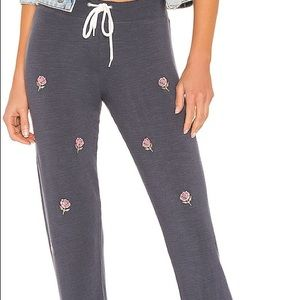 Monrow Vintage All Over Rose Joggers